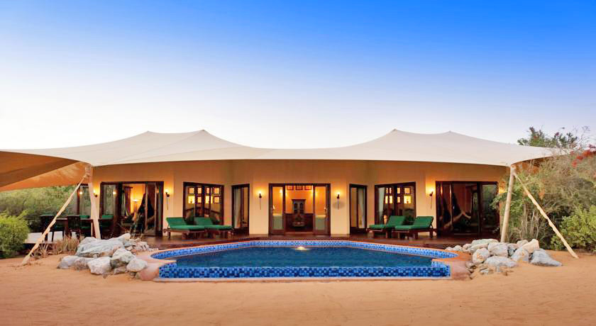 Luxury hotel with private pool villas per aquum desert for Hotels with private pool in dubai