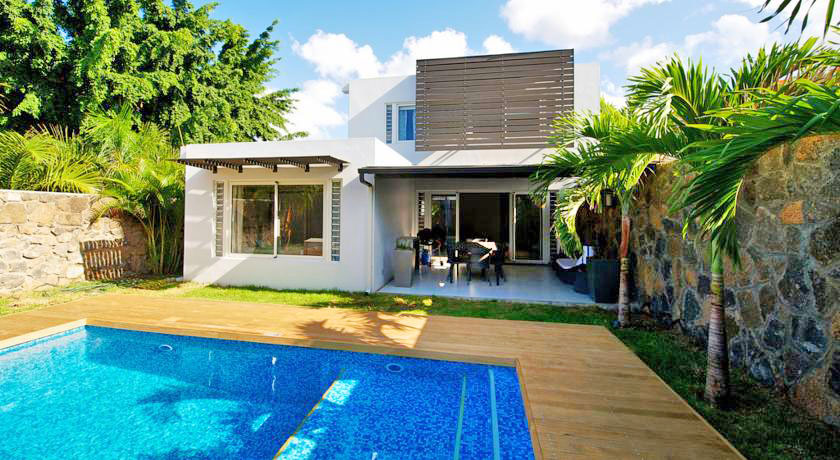 Hotel with private pool - Plage Bleue Luxury Apartments
