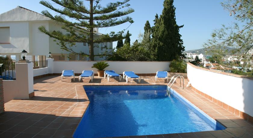 Hotel with private pool - Apartamentos Lual Burriana
