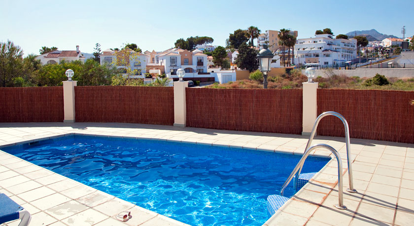 Hotel with private pool - Apartamentos Marina Turquesa