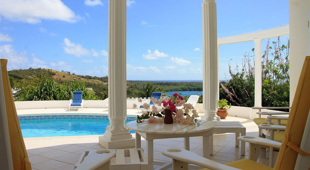 Hotel with private pool - Castles In Paradise Villa Resort