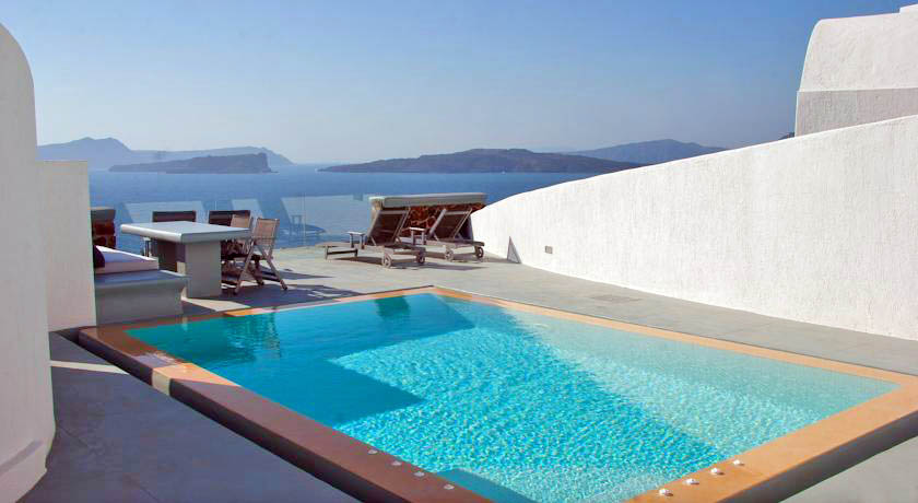 Hotel with private pool - Ambassador Santorini Luxury Villas & Suites