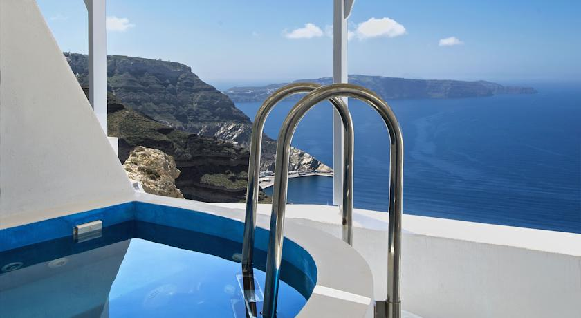 Hotel with private pool - Lilium Santorini Villa