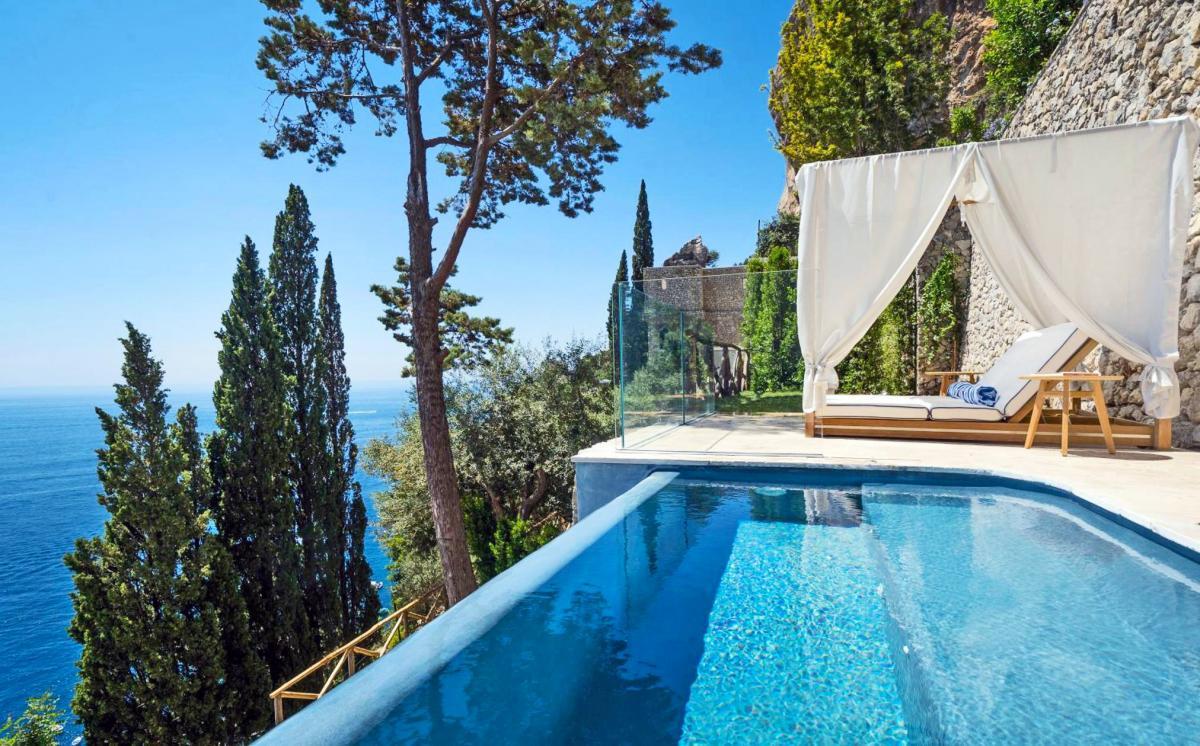 Hotel with private pool - Borgo Santandrea