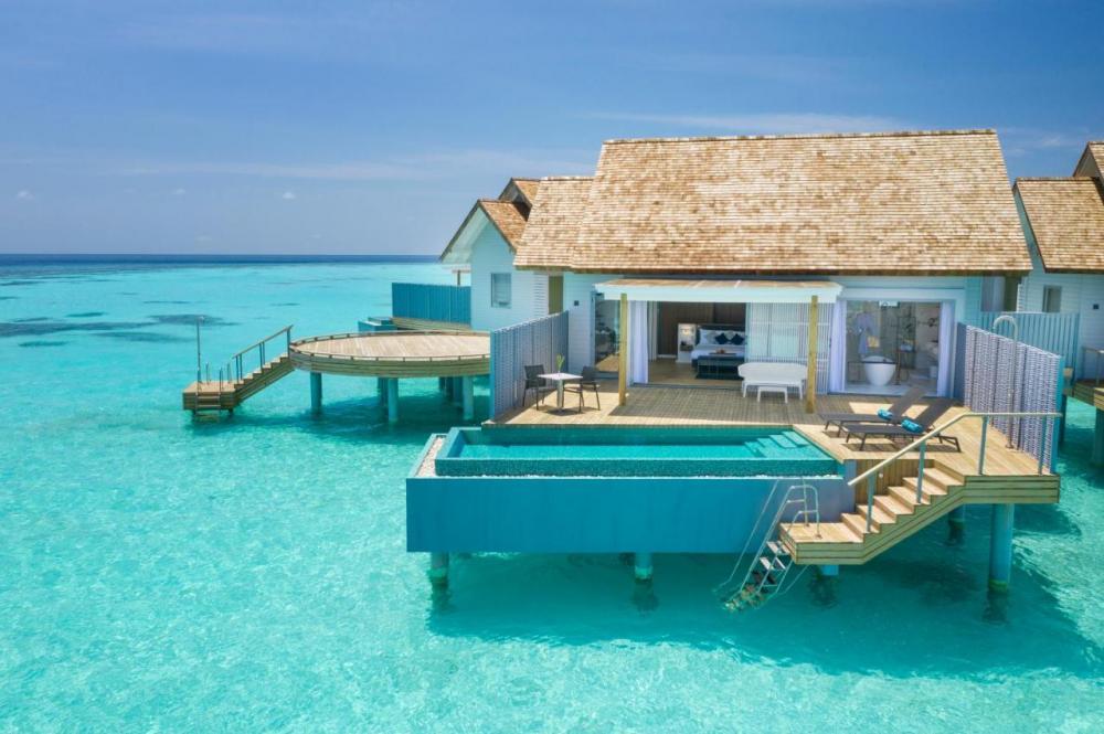 Hotel with private pool - lti Maafushivaru Maldives