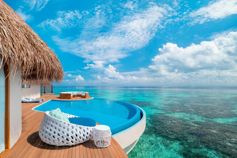 Hotel with private pool - W Maldives