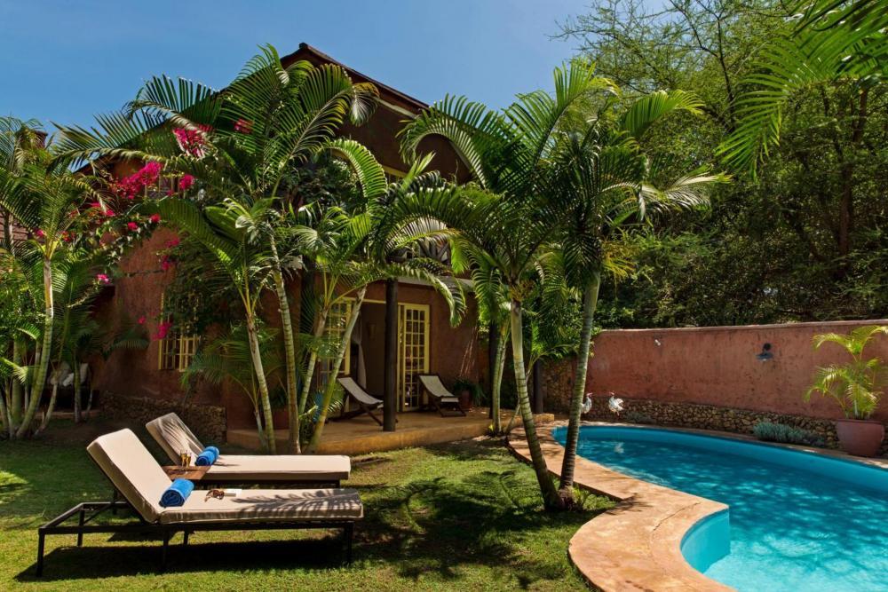 Hotel with private pool - Kili Villa