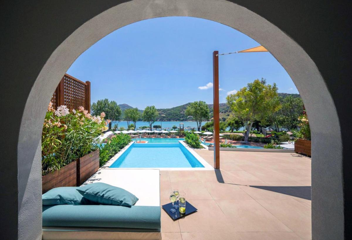 Hotel with private pool - Dolce Athens Attica Riviera