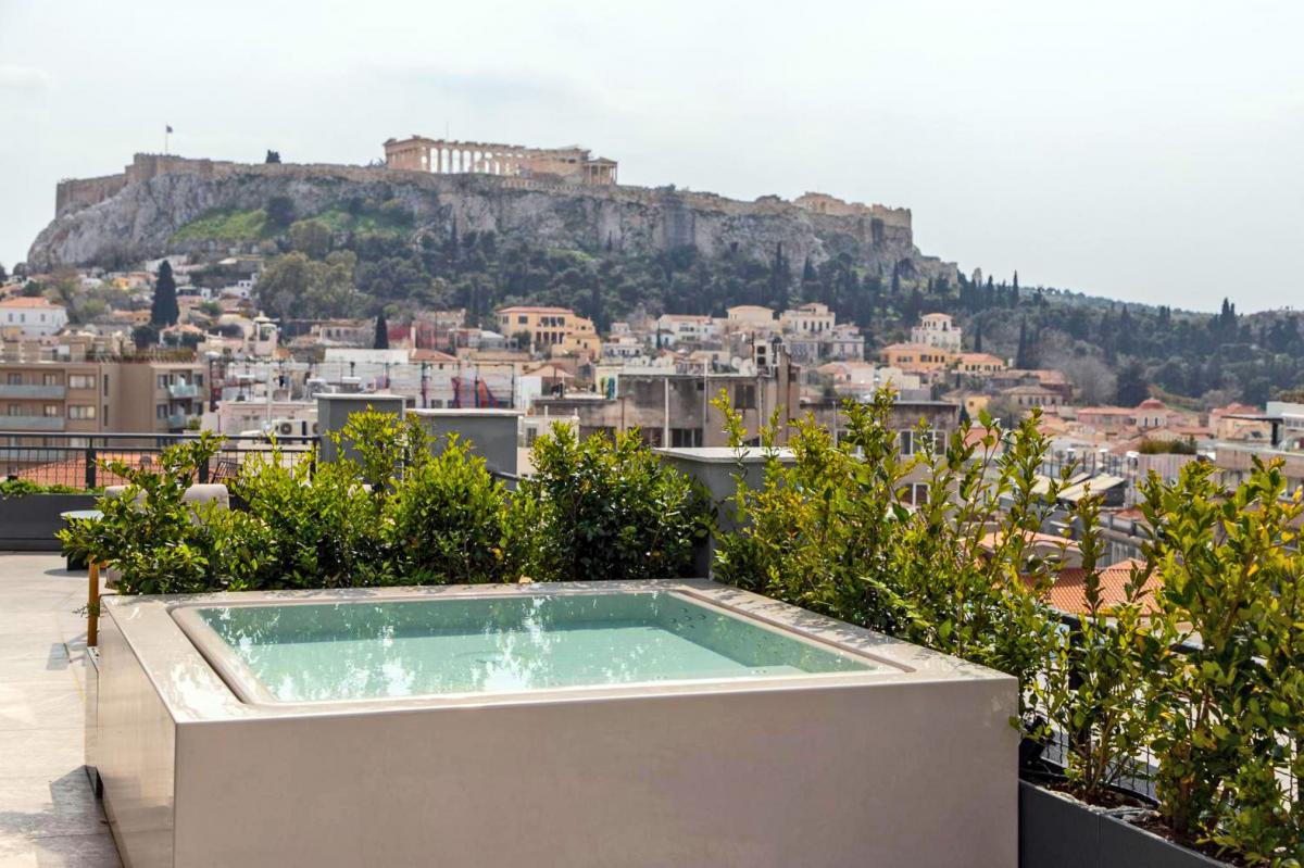 Hotel with private pool - Perianth Hotel