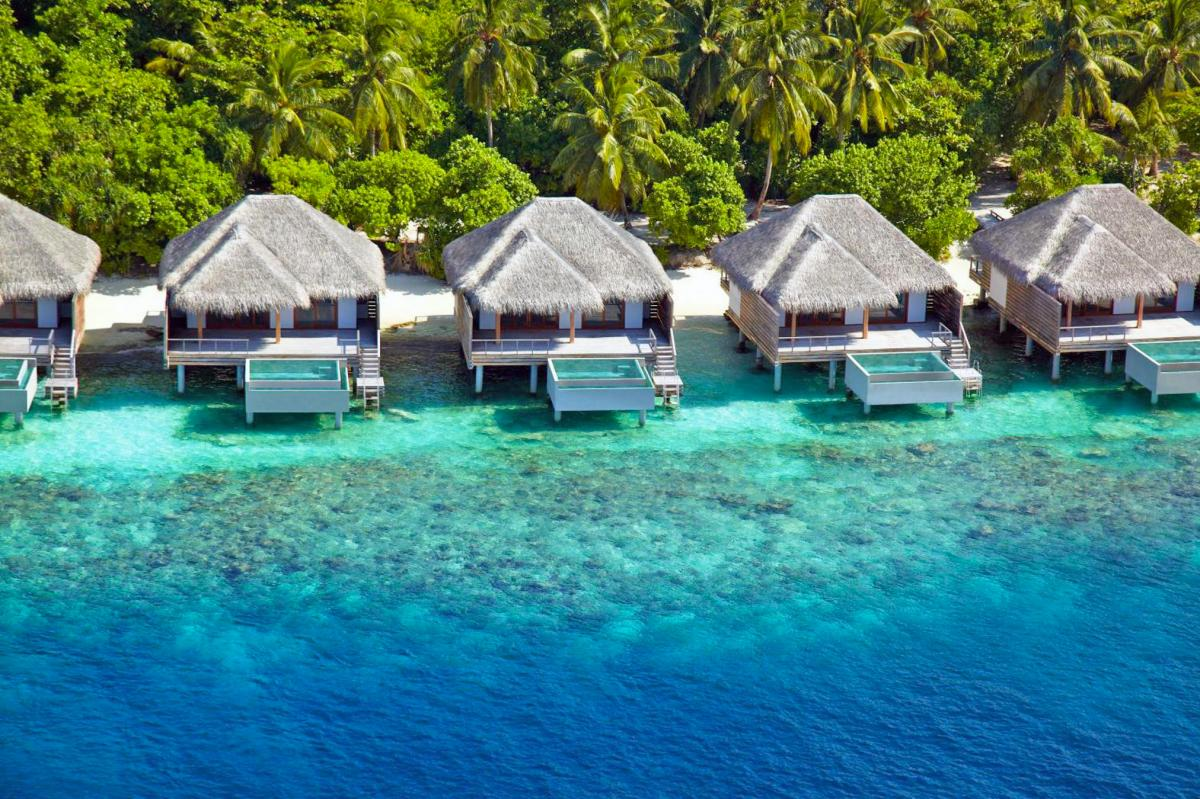 Hotel with private pool - Dusit Thani Maldives