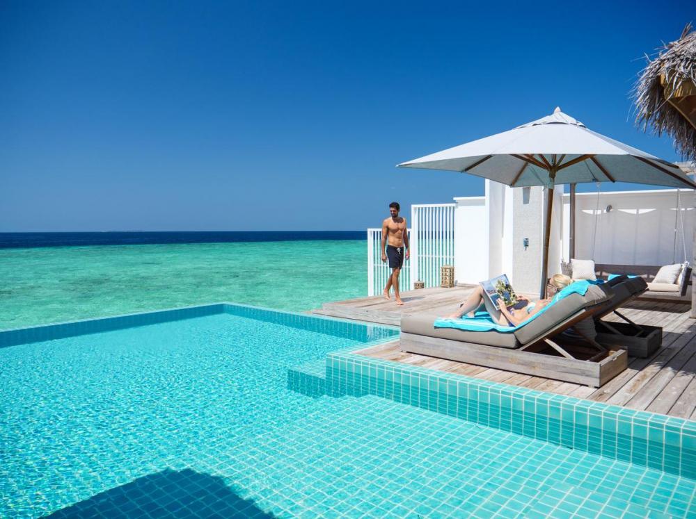 Hotel with private pool - Seaside Finolhu