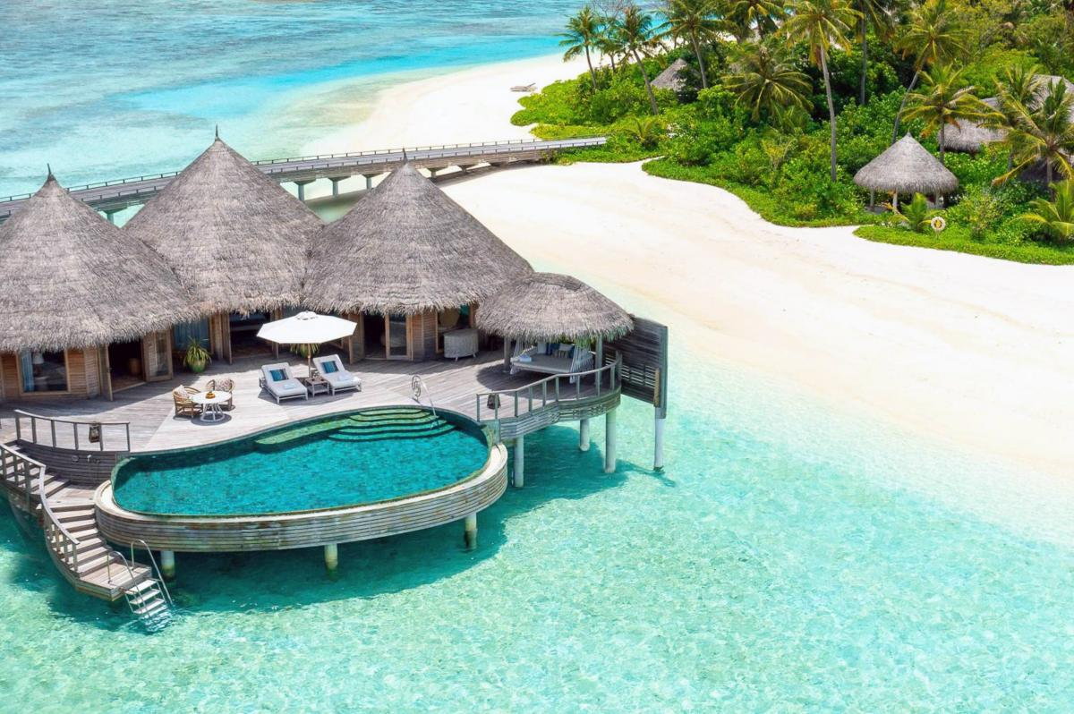 Hotel with private pool - The Nautilus Maldives