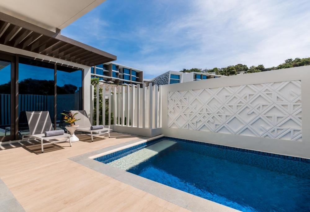 Hotel with private pool - Crimson Resort and Spa Boracay
