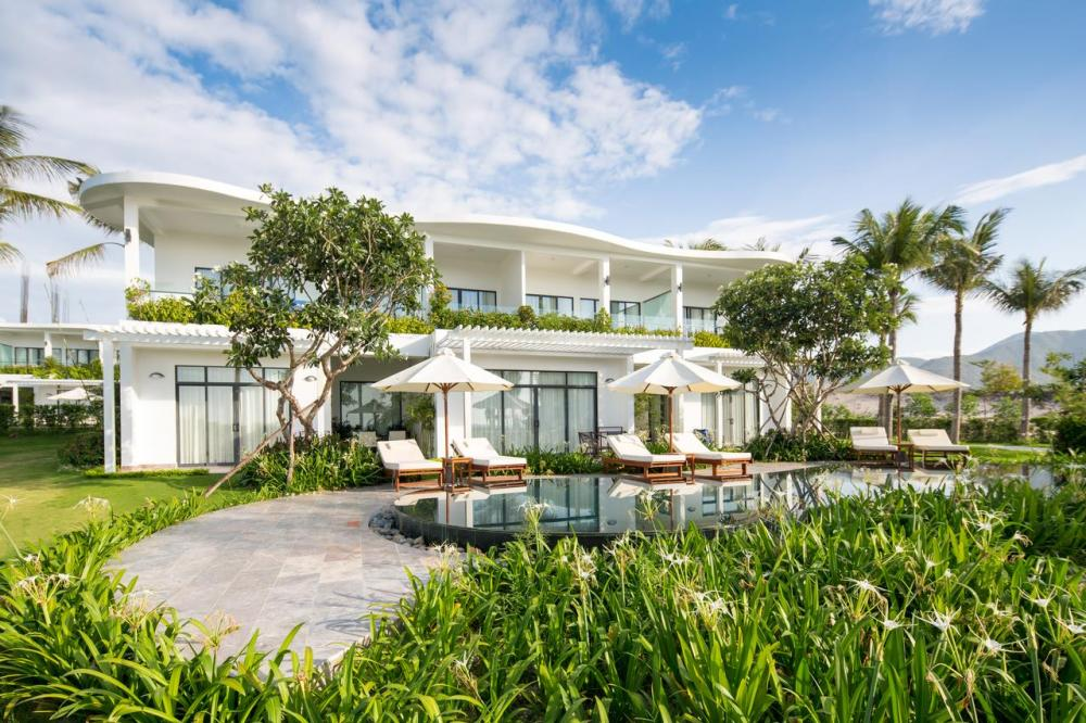 Hotel with private pool - Cam Ranh Riviera Beach Resort & Spa