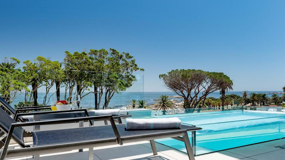 Hotel with private pool - South Beach Camps Bay Boutique Hotel
