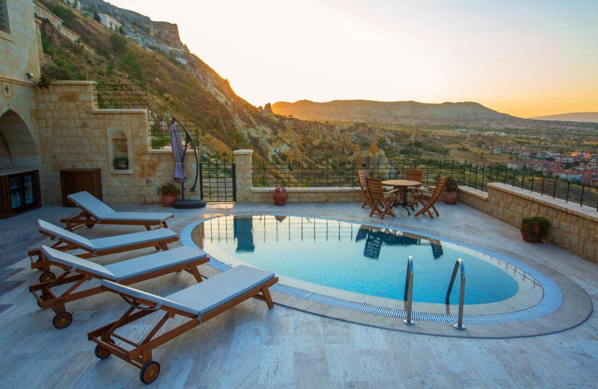 Hotel with private pool - Kayakapi Premium Caves Cappadocia
