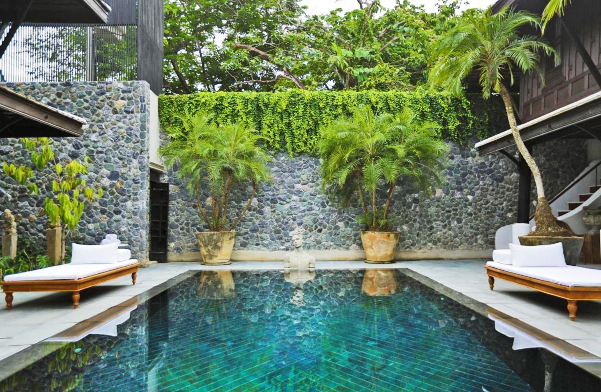 Hotel with private pool - Villa Mahabhirom