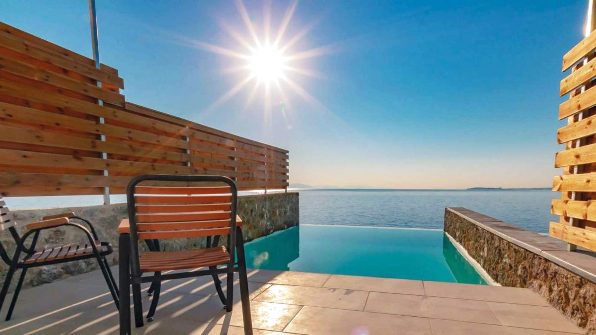 Hotel with private pool - The Homeric Boutique