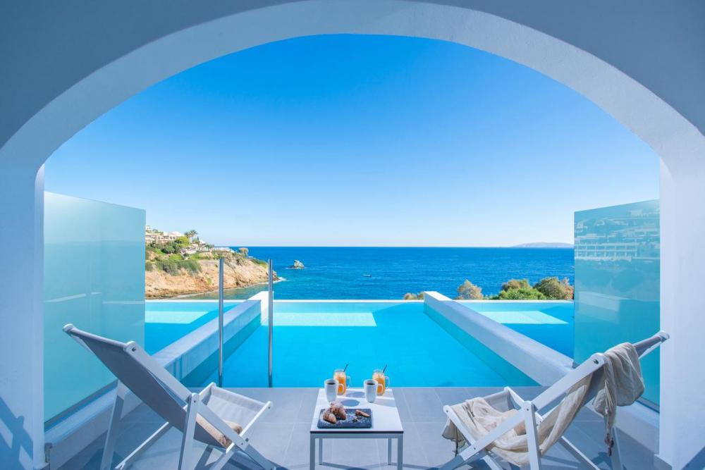 Hotel with private pool - Peninsula Resort & Spa