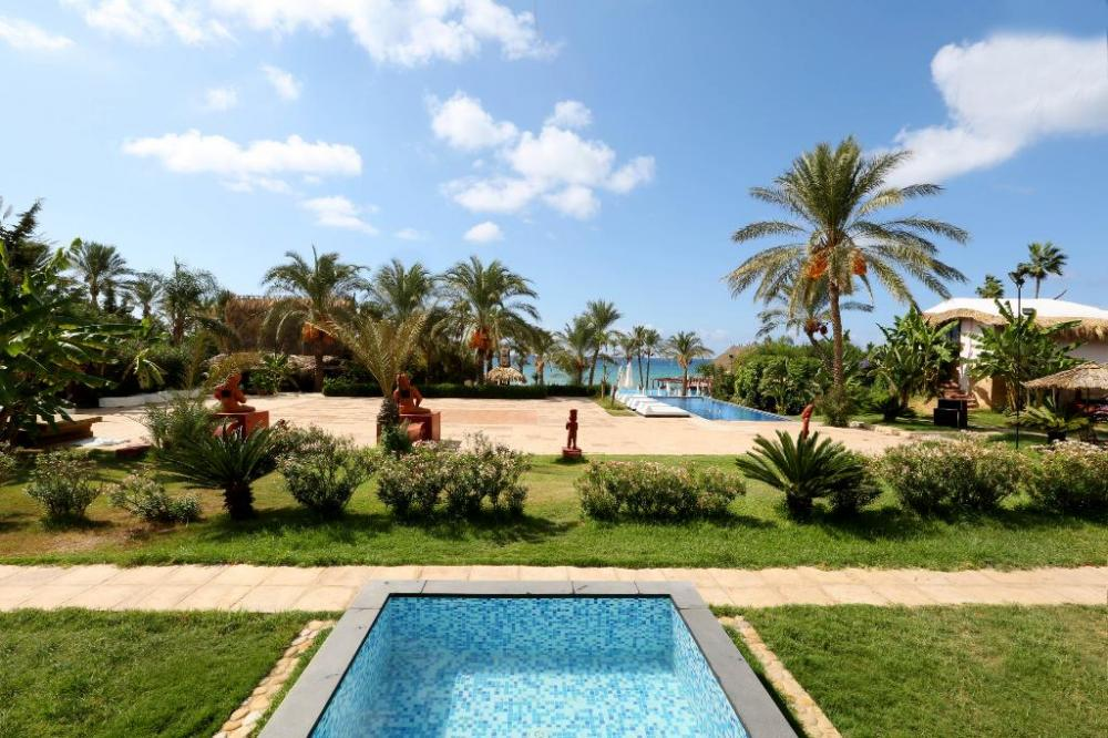 Hotel with private pool - Janna Sur Mer