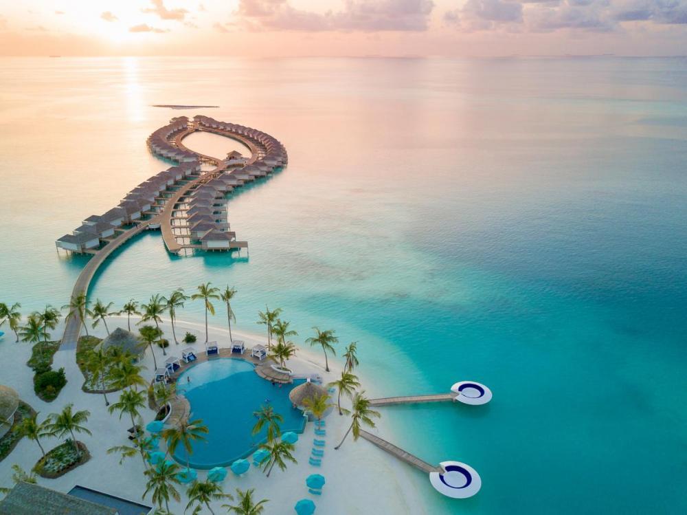 Hotel with private pool - Kandima Maldives