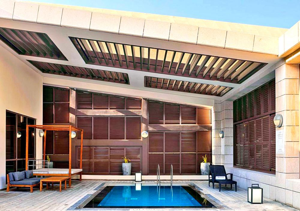 Hotel with private pool - The Westin Doha Hotel & Spa