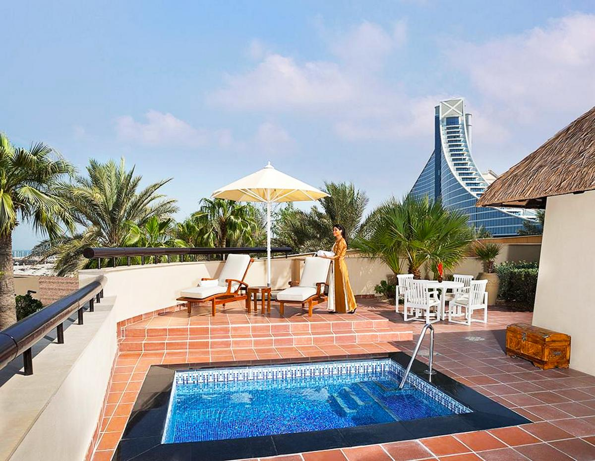 Hotel with private pool - Jumeirah Beach Hotel