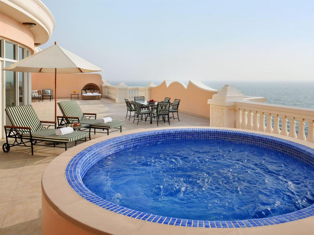 Hotel with private pool - Kempinski Hotel & Residences Palm Jumeirah