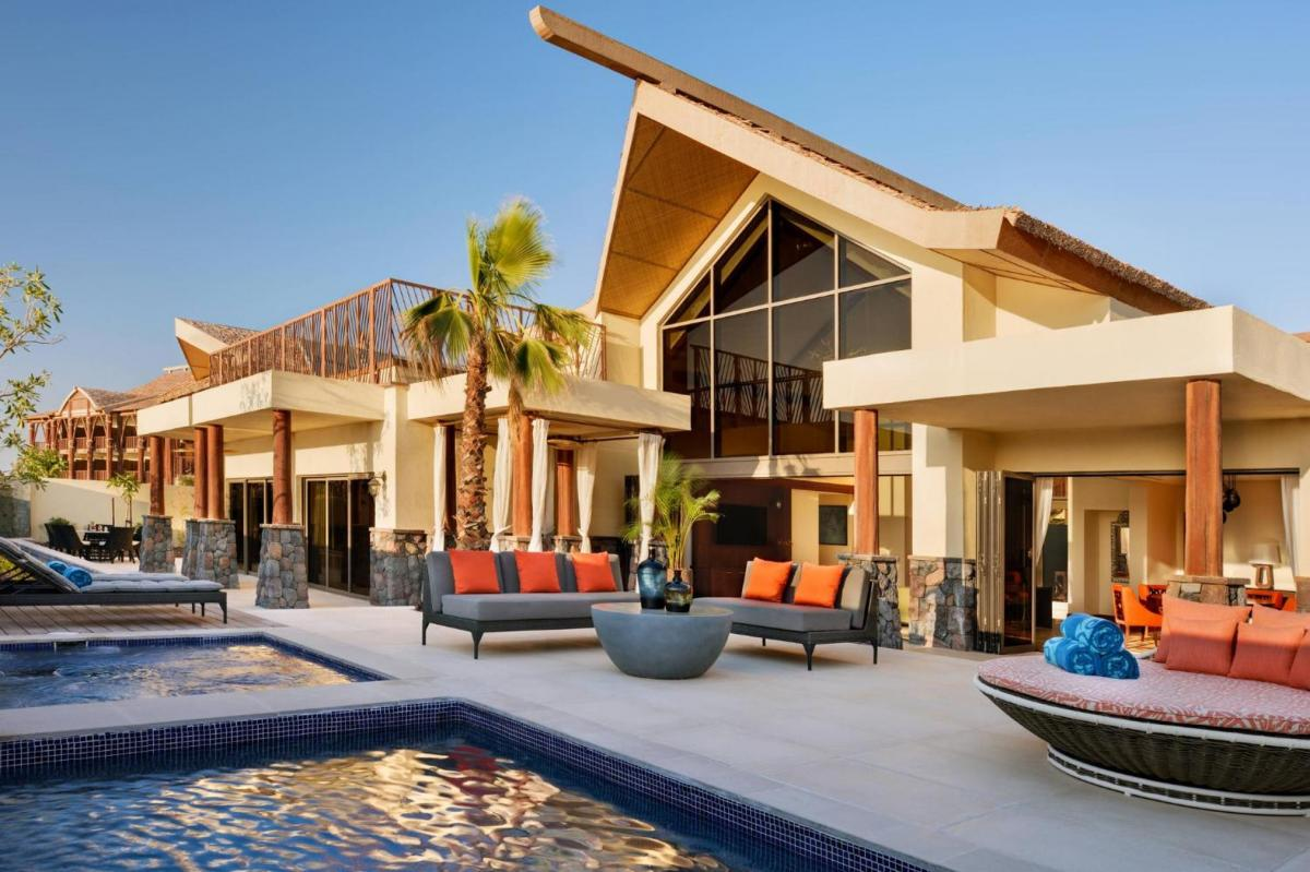 Hotel with private pool - Lapita, Dubai Parks and Resorts, Autograph Collection