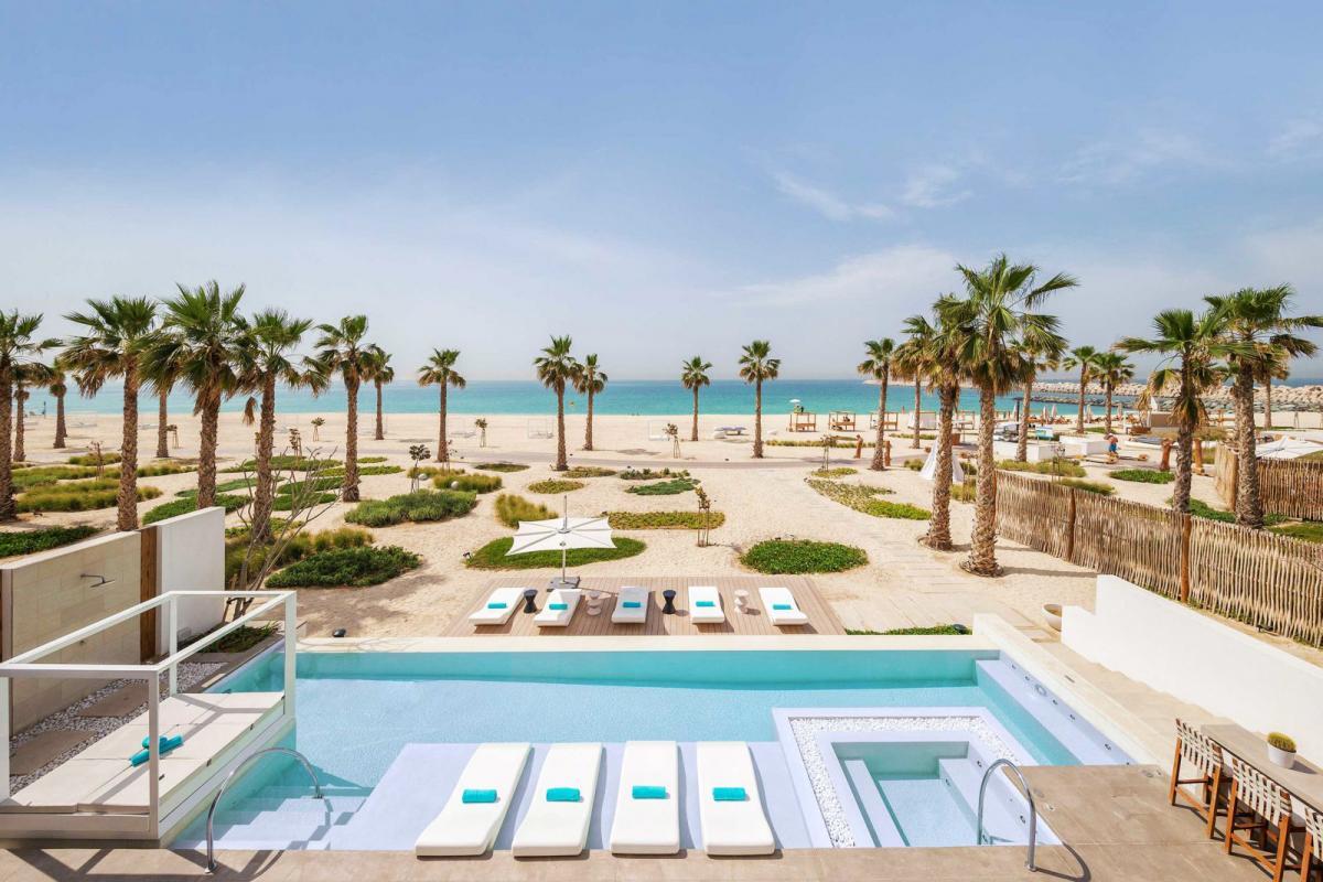 Hotel with private pool - Nikki Beach Resort & Spa Dubai