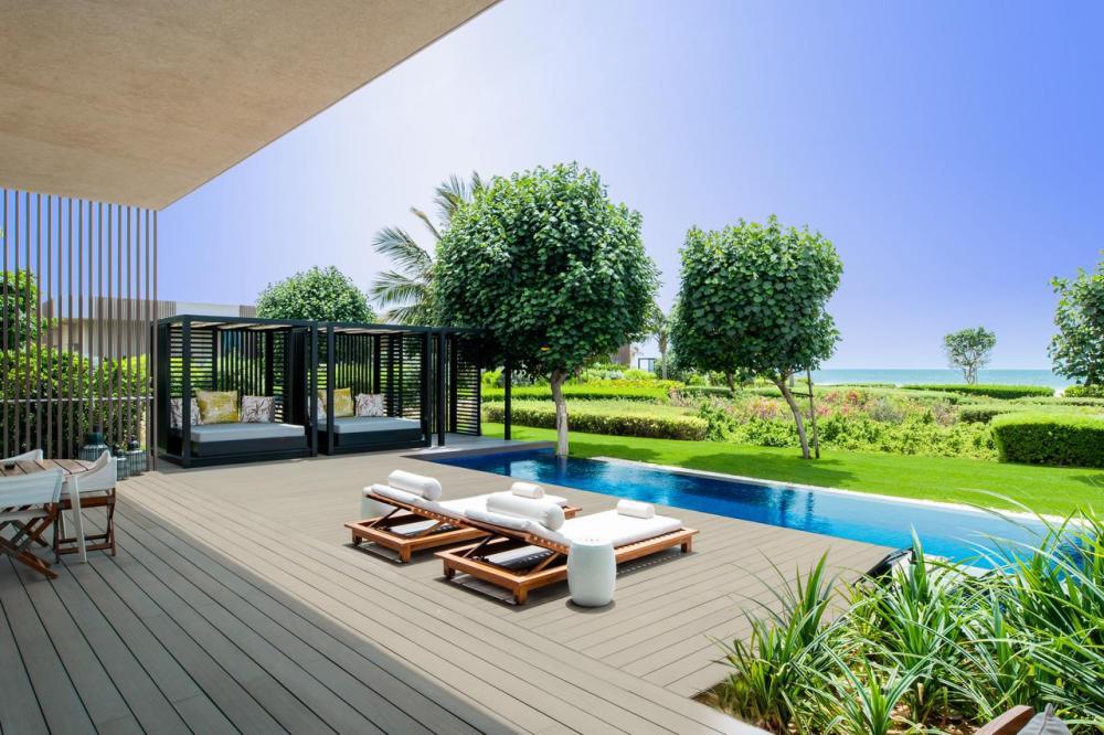 Hotel with private pool - The Oberoi Beach Resort, Al Zorah