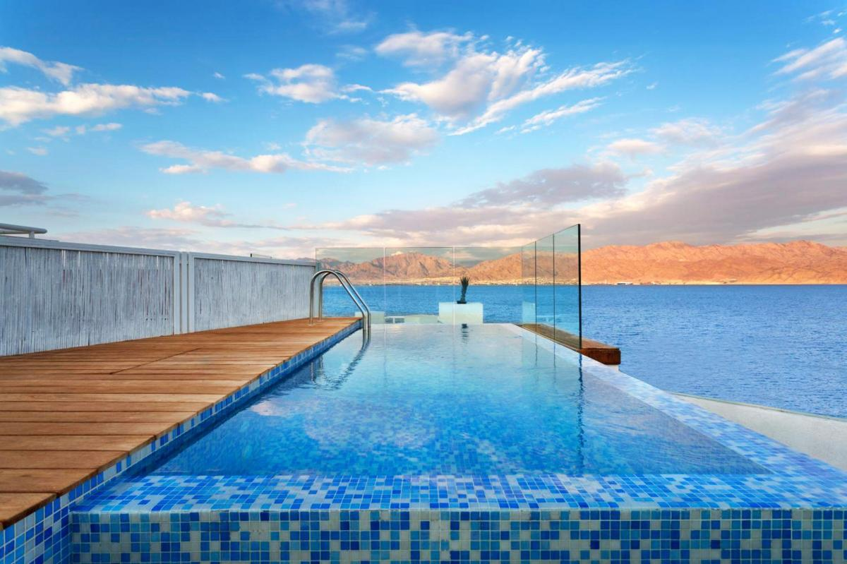 Hotel with private pool - The Reef Eilat Hotel by Herbert Samuel