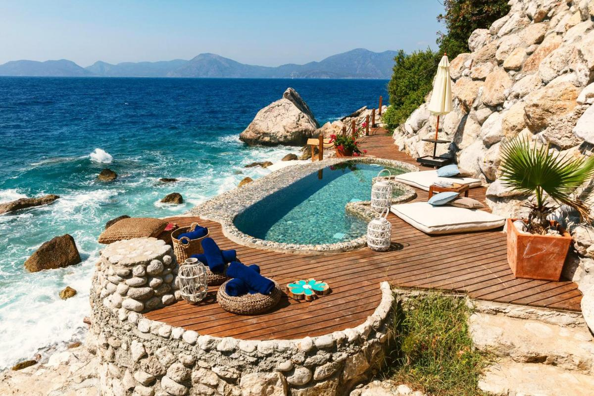 Hotel with private pool - Nautical Hotel
