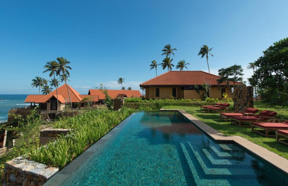 Hotel with private pool - Cape Weligama