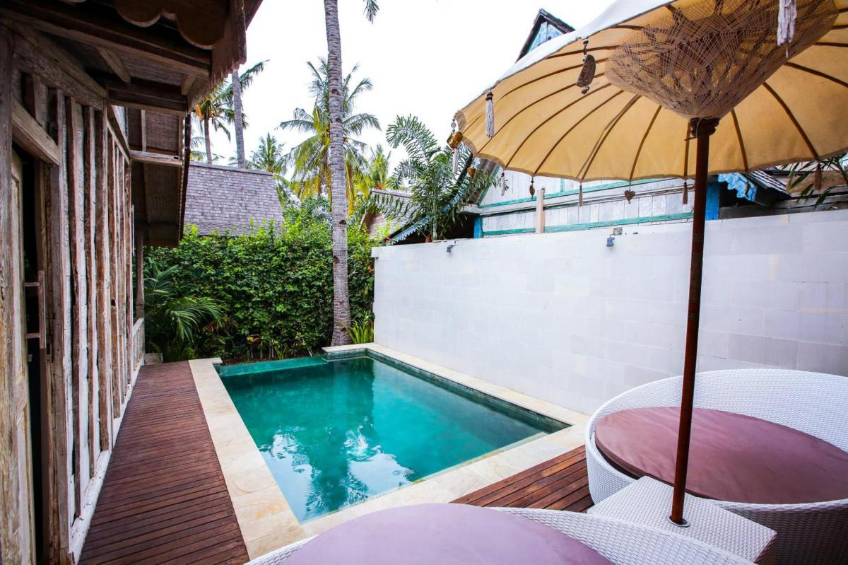 Hotel with private pool - Camilla Resort
