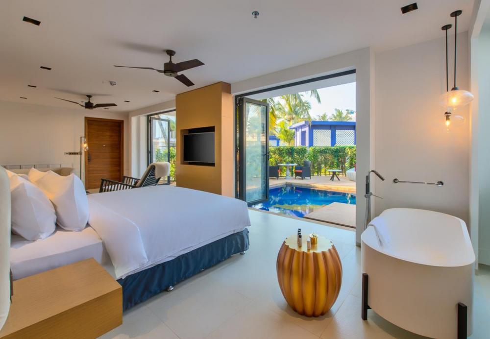 Hotel with private pool - Azaya Beach Resort Goa