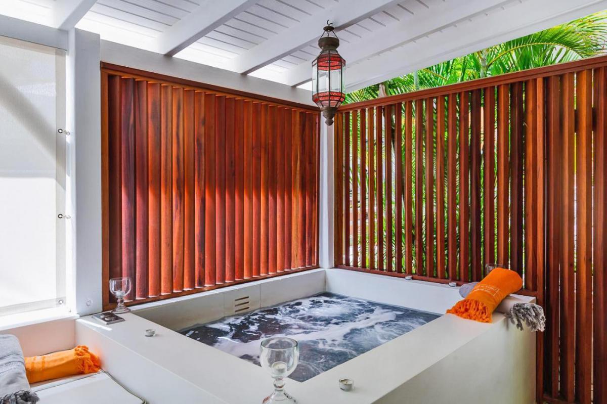 Hotel with private pool - Sol e Luna