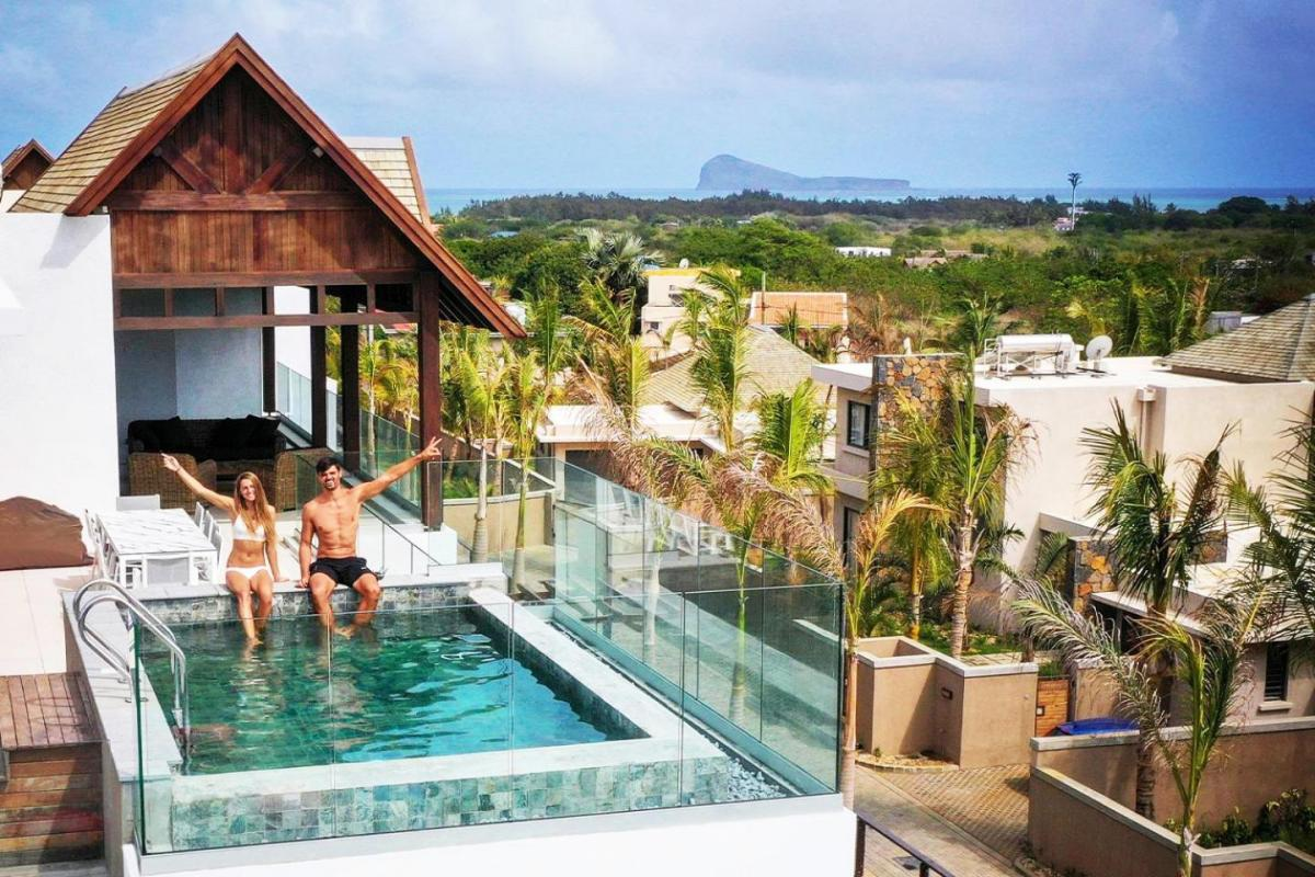 Hotel with private pool - Mythic Suites & villas