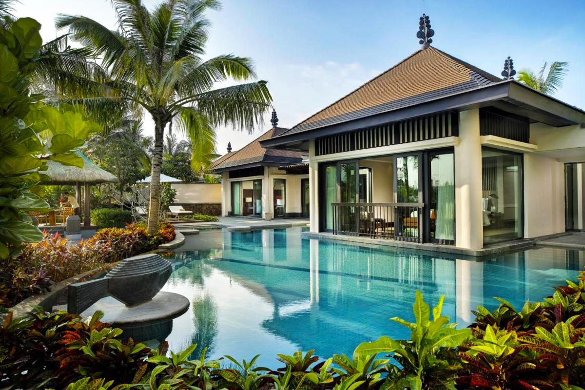 Hotel with private pool - Raffles Hainan