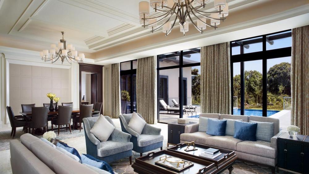 Hotel with private pool - The Ritz-Carlton, Haikou