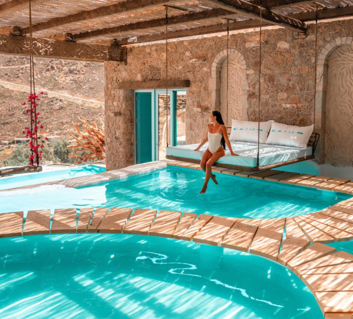 Hotel with private pool - Calilo