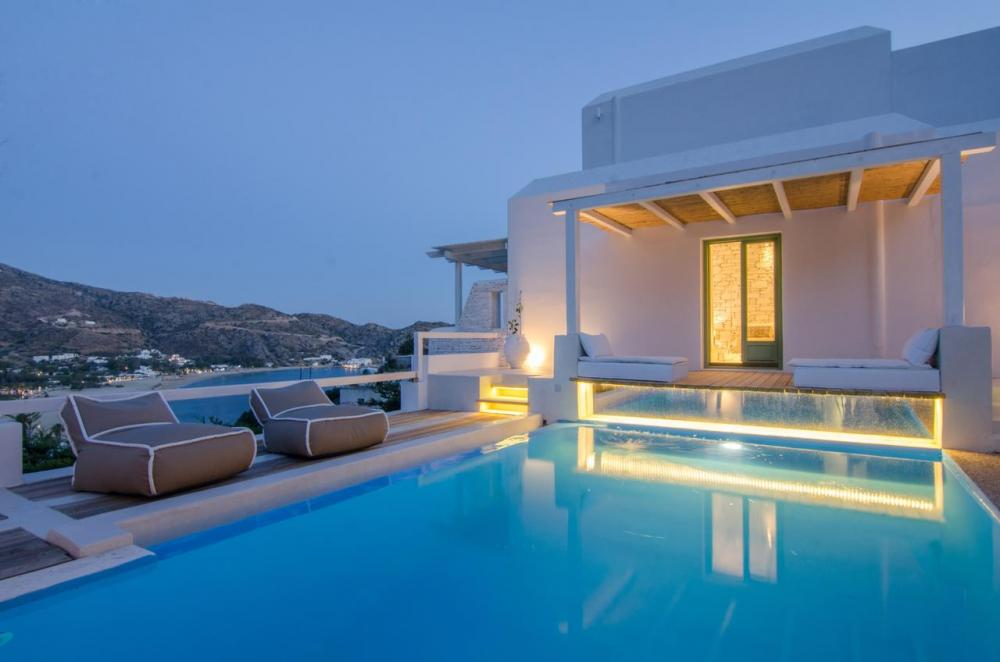 Hotel with private pool - Levantes Ios Boutique Hotel