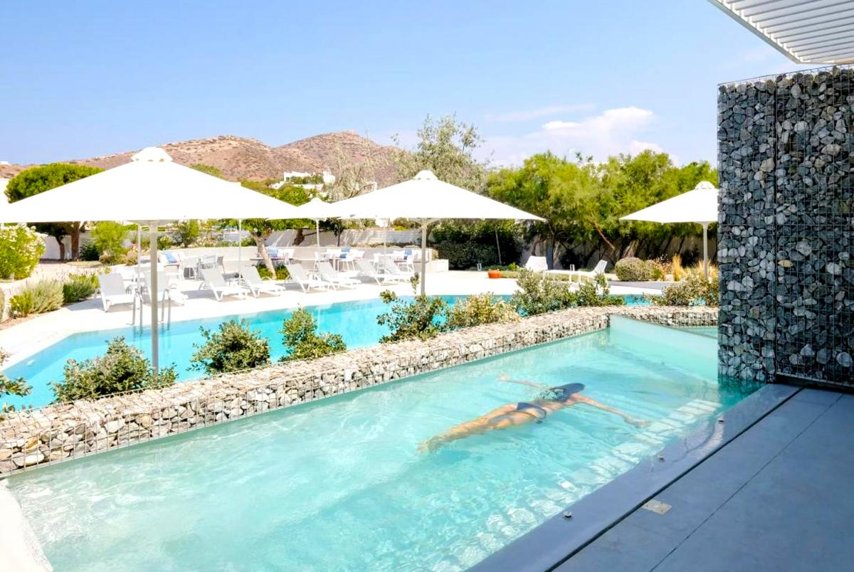 Hotel with private pool - Relux Ios Design Hotel
