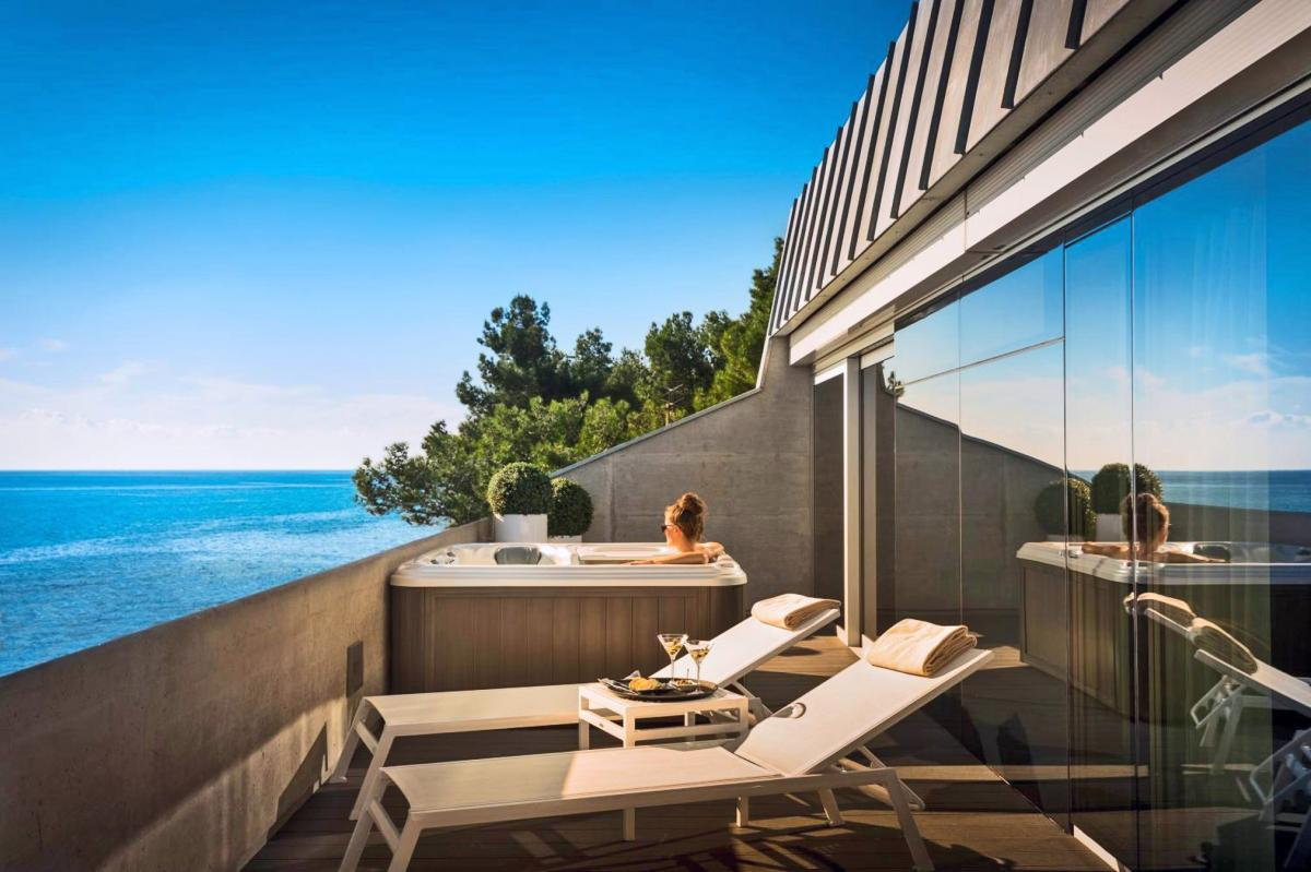 Hotel with private pool - Boutique Hotel Rivalmare