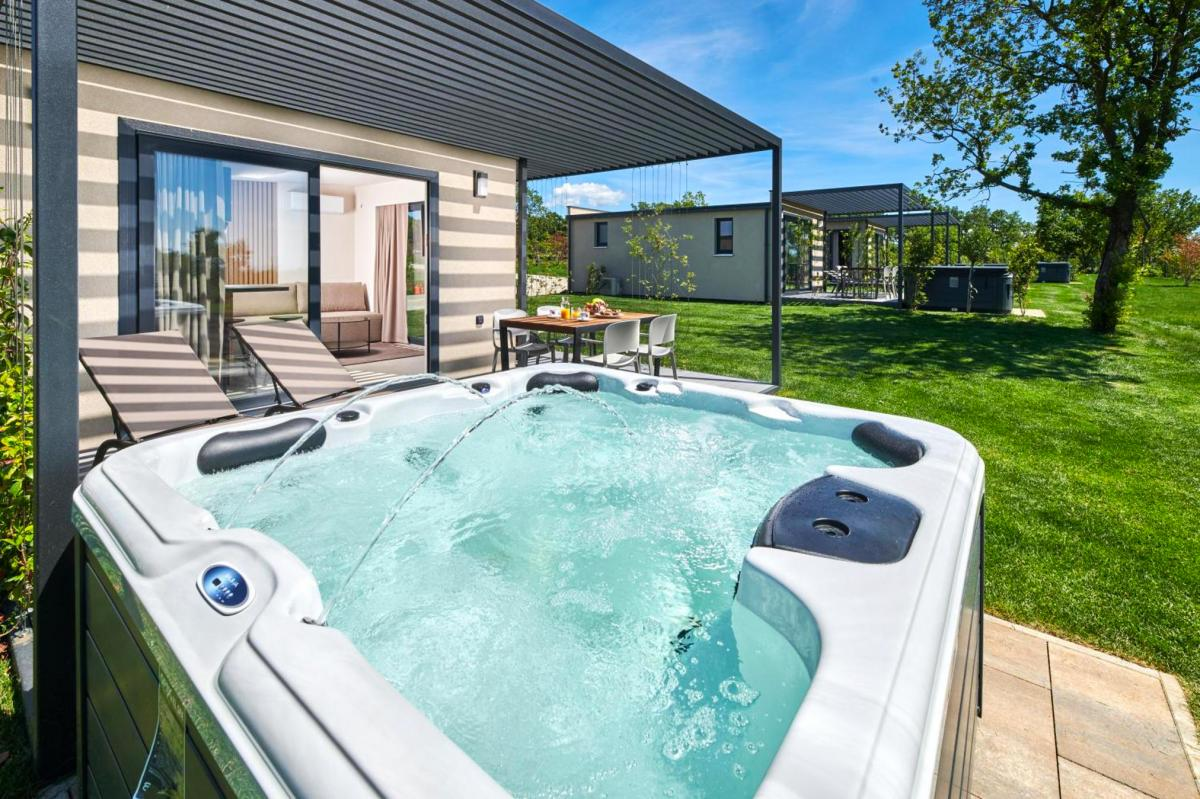 Hotel with private pool - San Servolo Wellness Camping