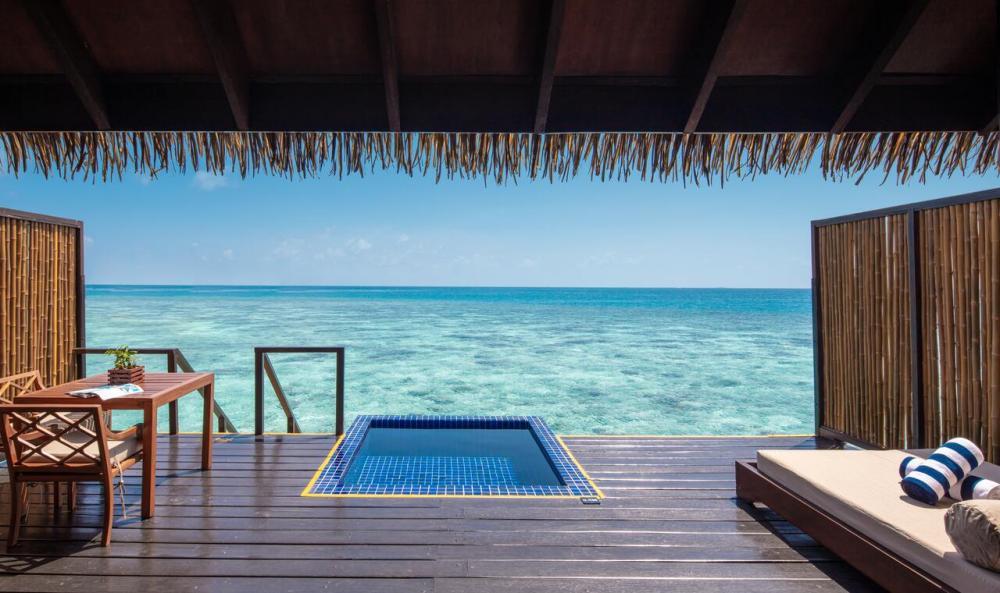 Hotel with private pool - Adaaran Prestige Vadoo