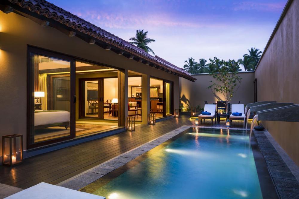 Hotel with private pool - Anantara Kalutara Resort