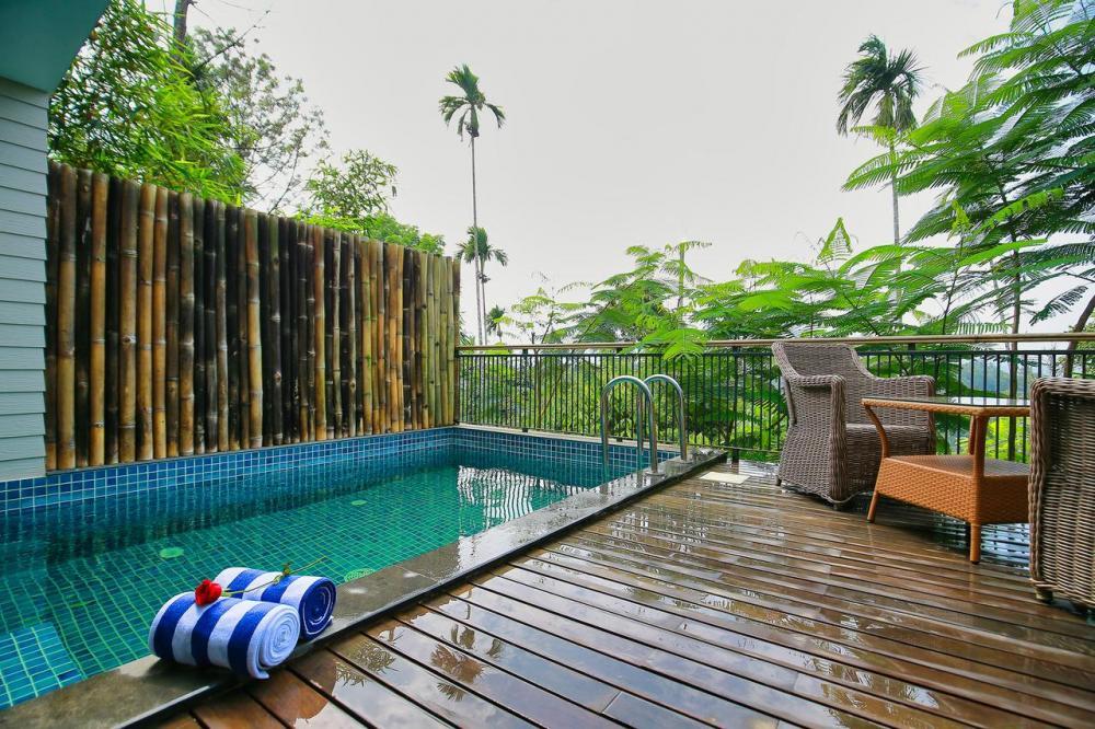 Hotel with private pool - Morickap Resort