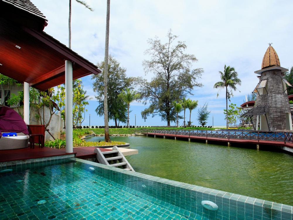 Hotel with private pool - Graceland Khaolak Beach Resort