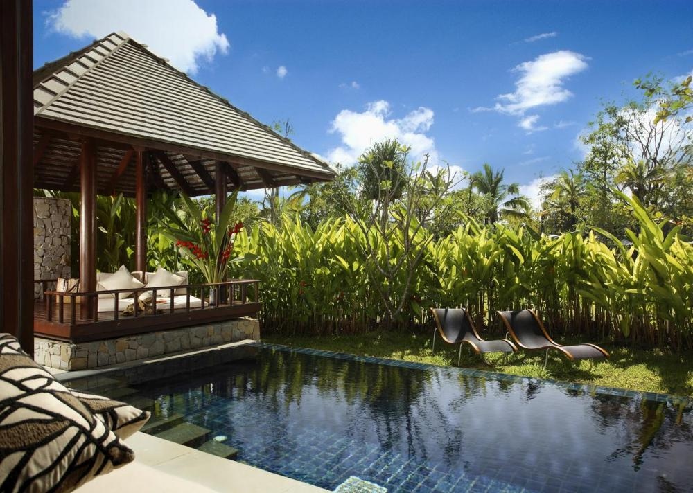 Hotel with private pool - The Sarojin